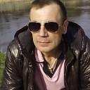 Lev, 44 года